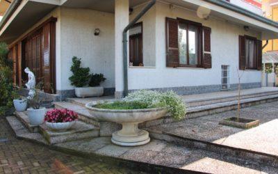 Villa bifamiliare Caselle Lurani