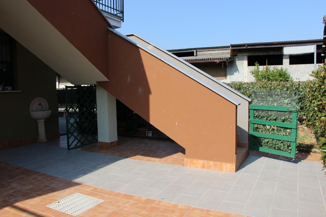 Casa indipendente Tavazzano con Villavesco